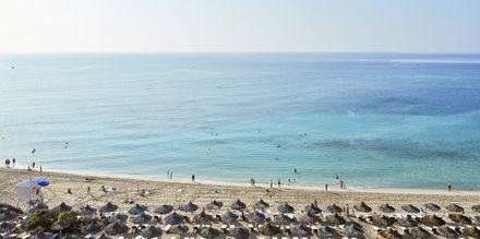 Stranden vid hotell Grecian Bay, Cypern.