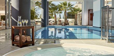 Inomhuspoolen på hotell Grecian Park, Cypern.