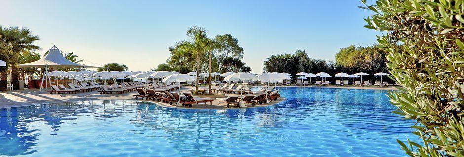 Poolområdet på hotell Grecian Park, Cypern.