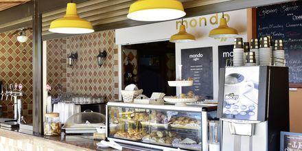 På Mondo Café serveras baristakaffe och nypressade juicer.
