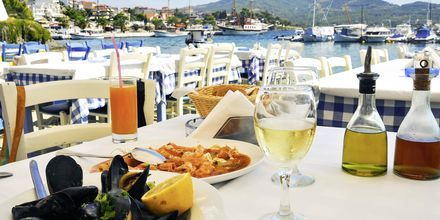 Härliga middagar vid vattnet.
