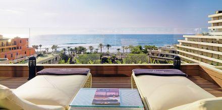 Deluxerum på hotell H10 Conquistador i Playa de las Americas, Teneriffa.
