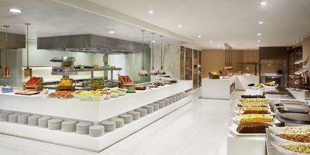 Bufférestaurangen på hotell Habtoor Grand Resort, Autograph Collection i Dubai.