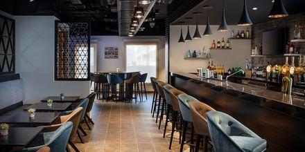 Bar på Hampton by Hilton Dubai al Barsha i Dubai, Förenade Arabemiraten.