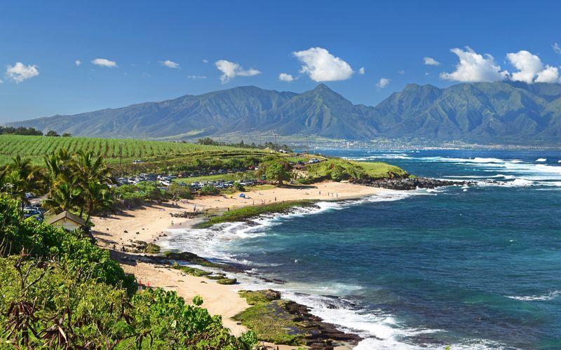 Hawaii lockar med vulkaner, vita stränder och fantastisk natur.