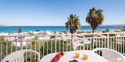 Trerumslägenhet på hotell Hermes i Kato Stalos, Kreta.