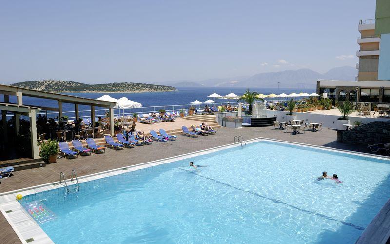 Pool på hotell Hermes på Kreta, Grekland.