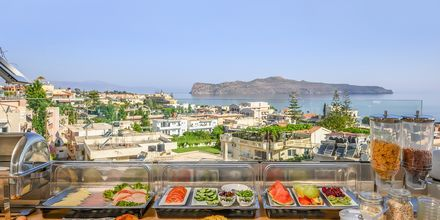 Restaurang på hotell Hermes i Kato Stalos på Kreta, Grekland.
