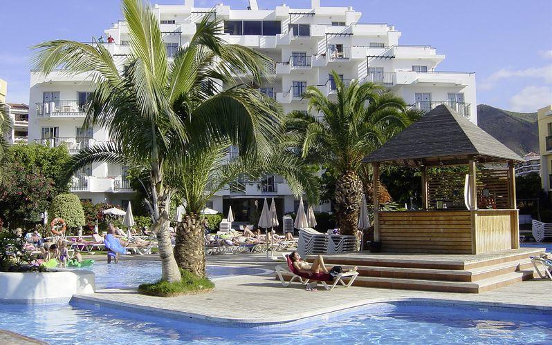 Poolområdet på hotell HG Tenerife Sur i Los Cristianos, Teneriffa.
