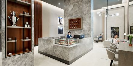 Lobby på Hilton Doha The Pearl Residences i Doha, Qatar.