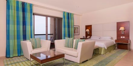 Enrumslägenhet på hotell Hilton Dubai The Walk i Dubai, Förenade Arabemiraten.