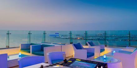 Pure Sky Lounge & Dining på hotell Hilton Dubai The Walk i Dubai, Förenade Arabemiraten.