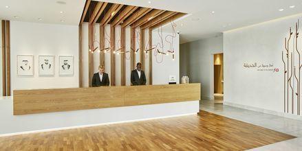 Receptionen på hotell Hilton Garden Inn Mall of the Emirates i Dubai Al Barsha i Dubai, Förenade Arabemiraten.