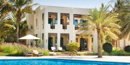 Deluxebungalow på hotell Hilton Ras Al Khaimah Resort & Spa.
