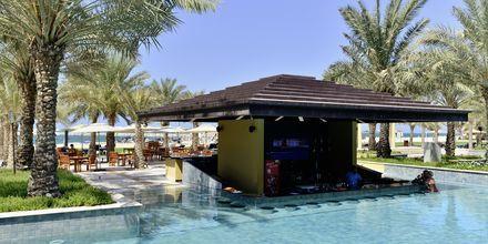 Poolbaren Sunset bar på hotell Hilton Ras Al Khaimah Resort & Spa.