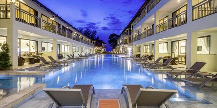 Pool på Hive Khaolak Beach Resort, Thailand.