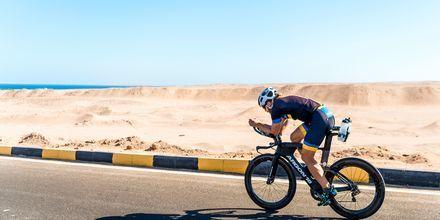 Det karga landskapet är perfekt för cykling.