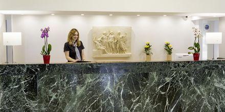 Receptionen på hotell Ibiscus i Rhodos stad, Grekland.