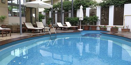 Poolen på hotell Ibiscus i Rhodos stad, Grekland.