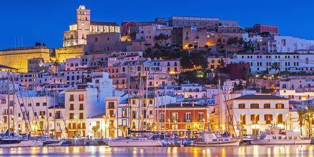 Ibiza på kvällen - en vacker syn.