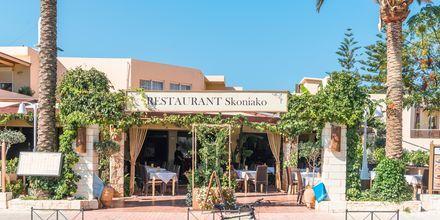Restaurang på hotell Ideal Beach på Kreta, Grekland.