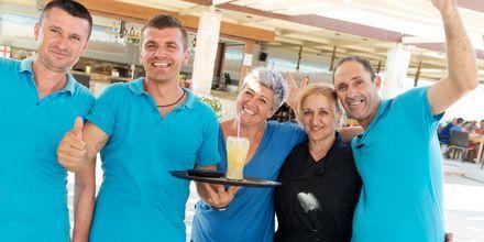 Personal på hotell Ideal Beach på Kreta, Grekland.