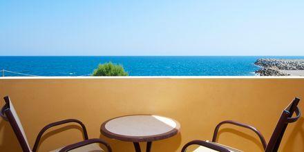 Havsutsikt från  dubbelrum på hotell Ideon i Rethymnon, Kreta.