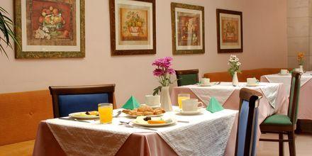 Restaurang på hotell Ideon i Rethymnon stad på Kreta, Grekland.