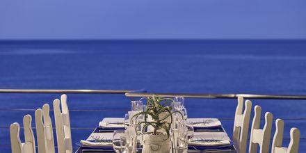Restaurang på Ikaros Beach Resort & Spa på Kreta, Grekland.