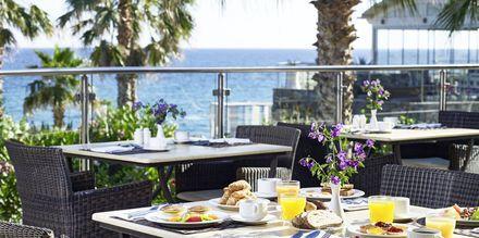 Frukost på Ikaros Beach Resort & Spa på Kreta, Grekland.