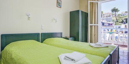 Enrumslägenhet på hotell Ilias på Alonissos, Grekland.