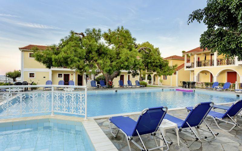 Poolen på hotell Iliessa Beach i Argassi på Zakynthos, Grekland.