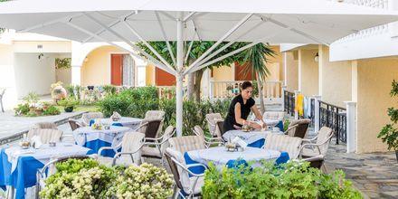 Restaurang på hotell Iliessa Beach i Argassi på Zakynthos, Grekland.