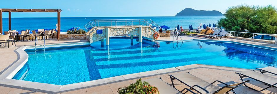 Poolområde på hotell Indigo Mare, Platanias.
