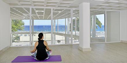 Yoga på hotell INNSiDE by Melia Cala Blanca.
