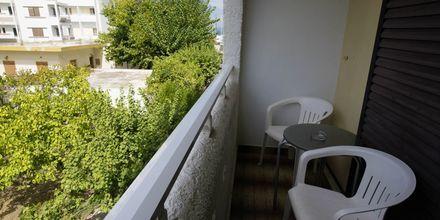 Balkong till dubbelrum på hotell International på Kos, Grekland.