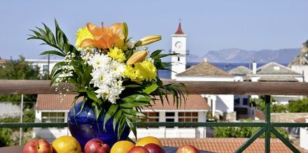 Utsikt från hotell Ionia på Skopelos, Grekland.