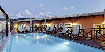 Poolen på hotell Ionia Suites i Rethymnon på Kreta.