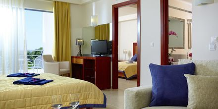 Familjerum deluxe på hotell Ionian Theoxenia i Kanali, Grekland.