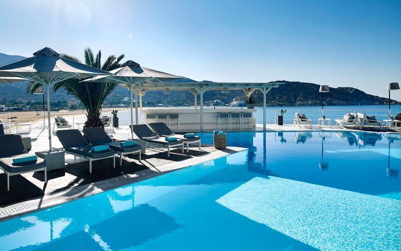 Pool på Ios Palace på Ios i Grekland.