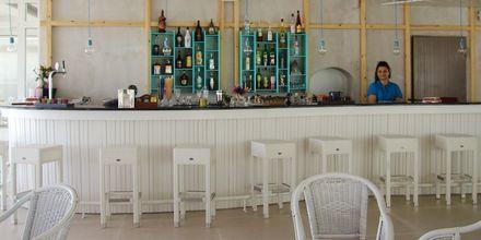 Bar på hotell Irina Beach i Tigaki på Kos, Grekland.
