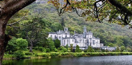 Kylemore Abbey, ett ikoniskt slott på Irland.