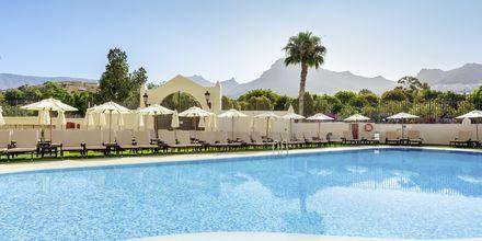 Poolområde på hotell Isabel i Playa de las Americas på Teneriffa.