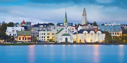 Reykjavik från vattnet.