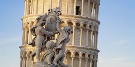 Lutande tornet i Pisa är ett känt landmärke.
