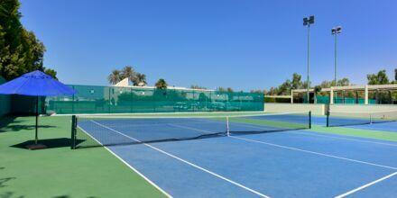 Tennis på hotell JA Beach i Dubai.
