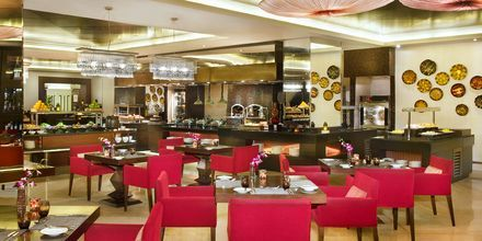 Huvudrestaurangen Ibn Majed på hotell JA Beach i Dubai.