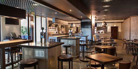 Restaurang Girders Sports Bar på hotell JA Ocean View i Dubai, Förenade Arabemiraten.
