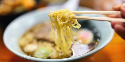 Japan är nudlarnas hemland och finns i alla möjliga varianter här. De serveras ofta i en så kallad ramensoppa.