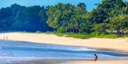 Lugna dagar på stranden i Jimbaran, Bali.